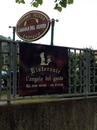 L'Angolo del Gusto: Вывеска