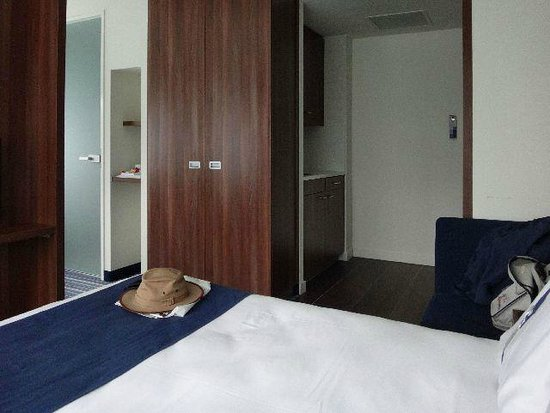Holiday Inn Express Rotterdam - Central Station: Room