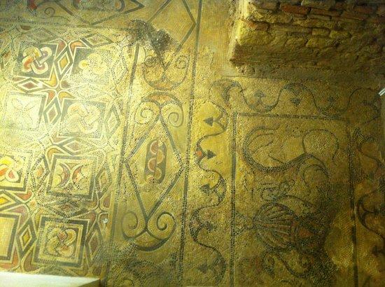 Cathédrale de Cordoue : 足下にあるスケルトン部分