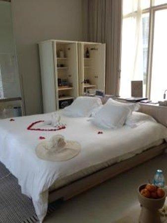 SALA Phuket Resort & Spa: Bed