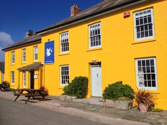 The Gurnard's Head: Bright indeed in the morning sun
