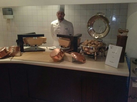 Club Med Avoriaz: Raclette tous les jours