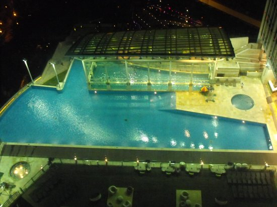 L'hotel Nina et Convention Centre : Pool