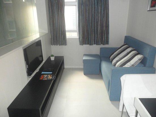 Hotel LBP: Business suite living area