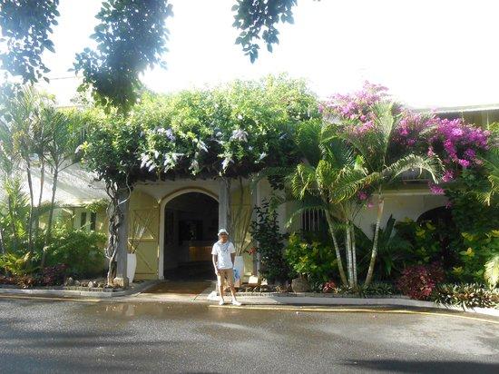 Veranda Grand Baie Hotel & Spa: entrée principale