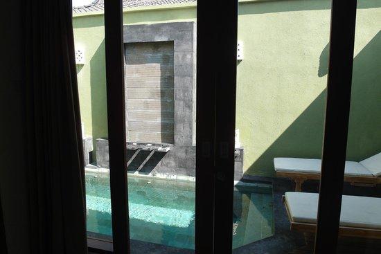 The Jas Villas: Pool from bedroom