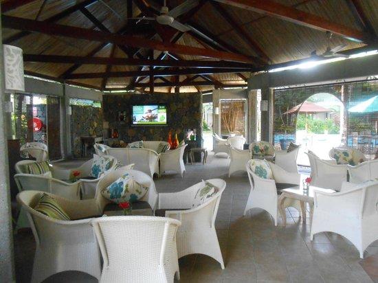 Veranda Grand Baie Hotel & Spa: salon communal 2