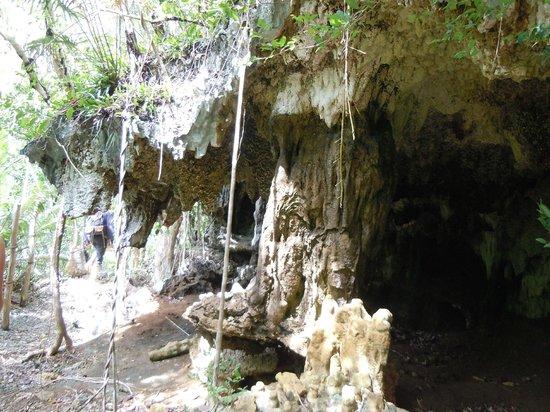 Lamanok Caves