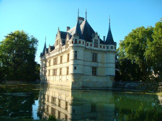 Château d'Azay-le-Rideau : замок  Азе-ле-Ридо