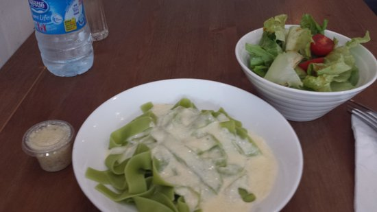 Art of Pasta : Spinach Fettuccine with Alfredo