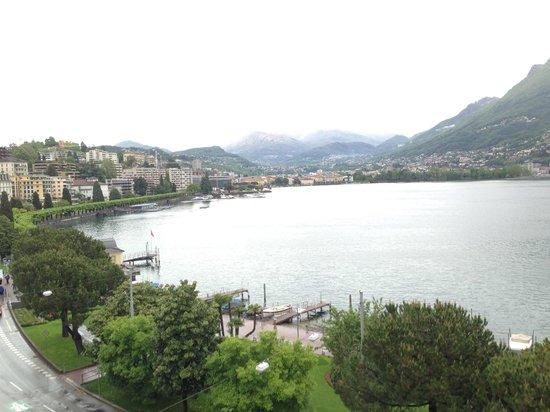 Hotel Victoria au Lac: Lugano City bei Tag vom Zimmer aus