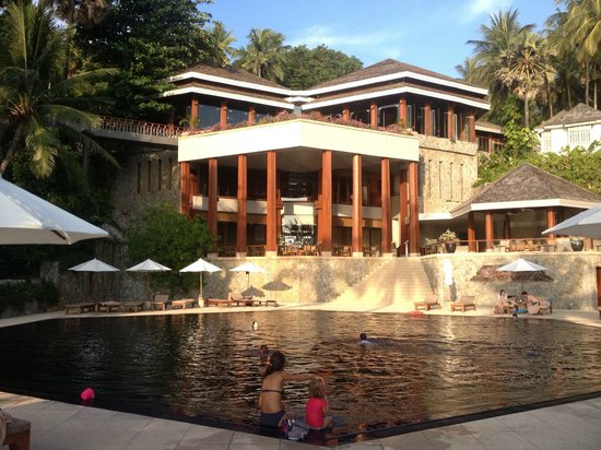 The Surin Phuket: Restaurants, Library, Reception