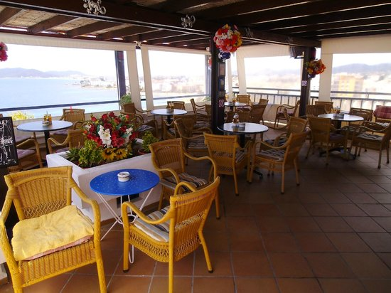 Hotel Cenit: Pool bar