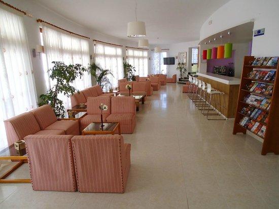 Hotel Cenit: Hotel Lobby