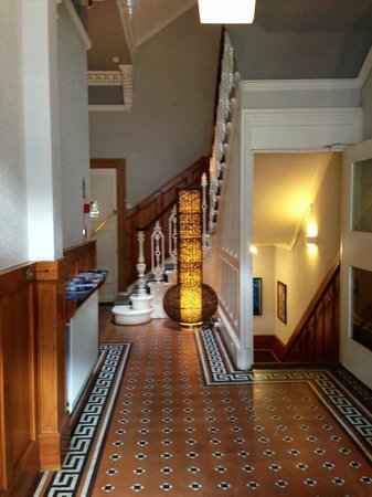 No 32 Hotel : Entryway