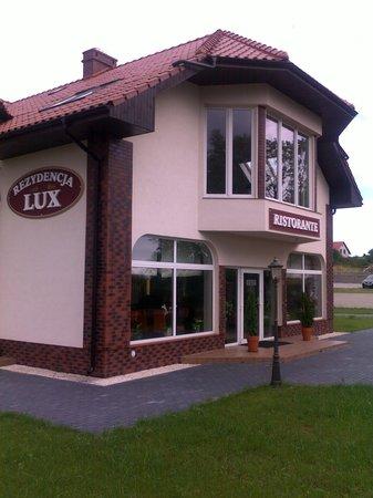 Rezydencja Lux: Obiekt z zewnątrz