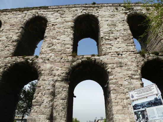 Valens Aqueduct (Bozdogan Kemeri) : Акведук