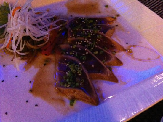 Bluefin Japanese Fusion and Lounge : Tuna carpaccio done to perfection