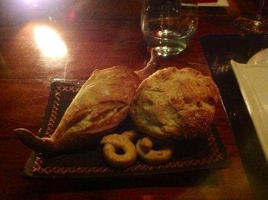 Pla Restaurant : Плюшки к супу, с луком и без лука