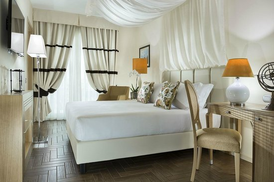 Erbavoglio Hotel: camera matrimoniale
