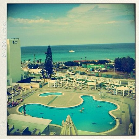Odessa Beach Hotel: Pool & Sea View!
