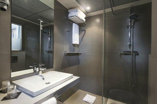 Hotel du Cadran Tour Eiffel: Nouvelle salle de bain