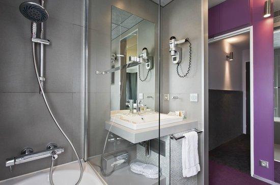 Hotel du Cadran Tour Eiffel: Nouvelle salle de bain Sup