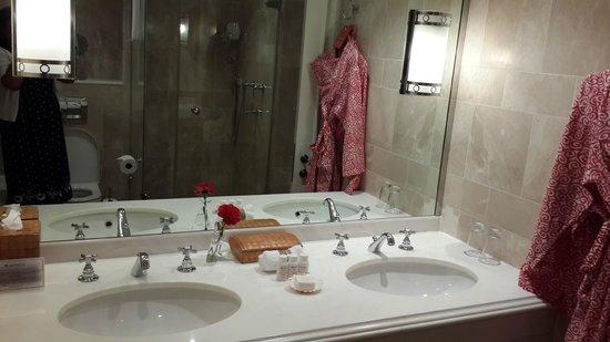 The Oyster Box: luxury bathroom treats