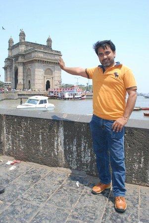 Colaba: Gateway of india
