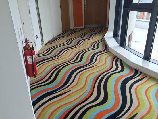 The Glasshouse: dont drink and look at the hall carpet!!!
