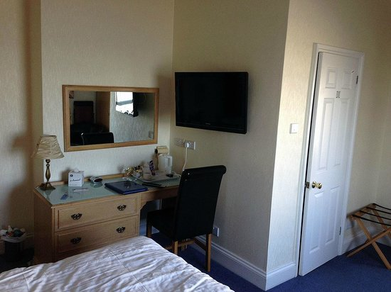 Best Western New Holmwood Hotel: Our room