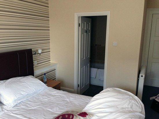 Best Western New Holmwood Hotel: Mums room