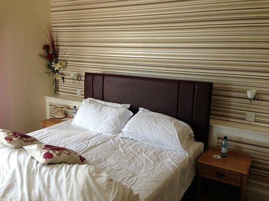 Best Western New Holmwood Hotel: Mums moom