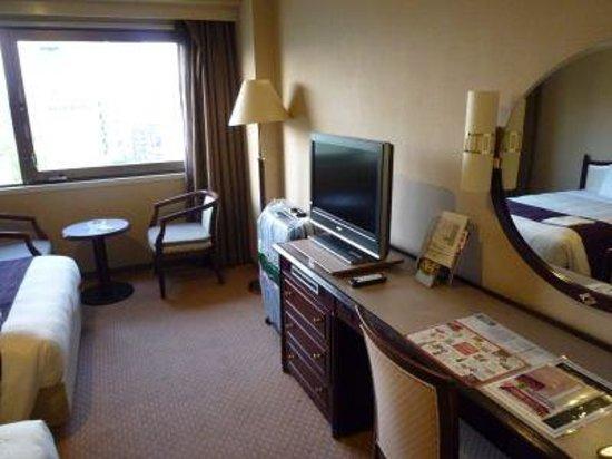 Hotel Sunroute Hiroshima : 広さはまずまず。