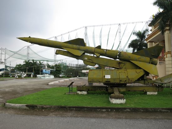Vietnamese Air Force Museum: rockets