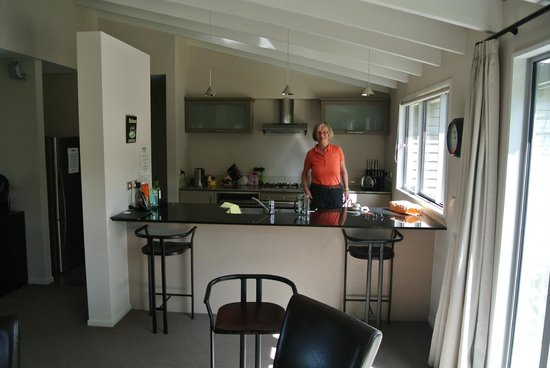Arrowfield Apartments: Der Wohn-, Koch- und Essbereich
