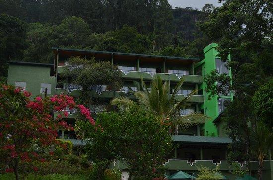 Ramboda Falls Hotel: Hotel view