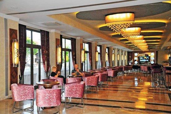 Golden Rock Beach Hotel: rustige bar