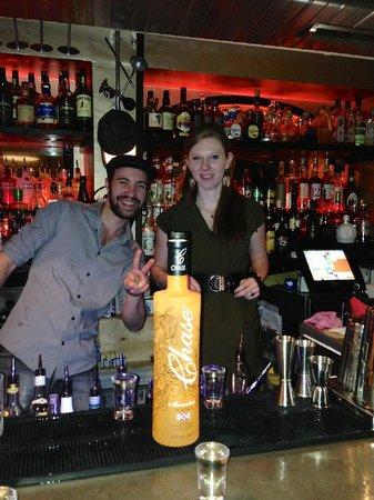 Le  Comptoir Cocktail Bar : Victor & Eglantine