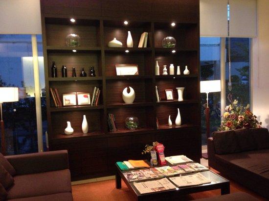Candeo Hotels Handa: ロビー