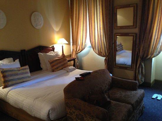 Hotel  Le Cavendish: Our beautiful room!