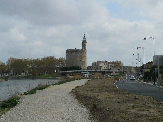 Résidence Odalys Le Mas des Flamants : chemin pour aller centre ville