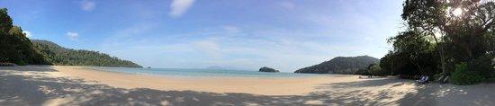 The Datai Langkawi: Il mare ...purtroppo c'erano delle meduse.. :-(