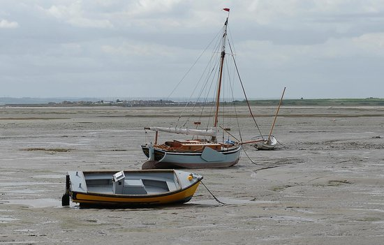 Ye Olde Smack: Low tide Leigh-on-sea