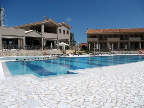 The Magnolia Resort: The pool area
