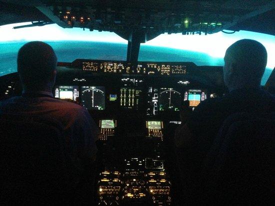 Flight Simulators Midlands: Landing at Hong kong