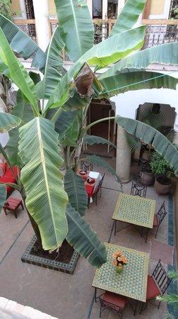Riad Ker Saada : patio du riad vu de la chambre