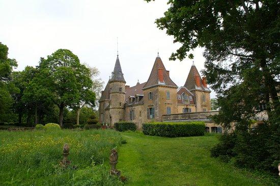 chateau de vaulx picture of chateau de vaulx saint julien de civry tripadvisor. Black Bedroom Furniture Sets. Home Design Ideas