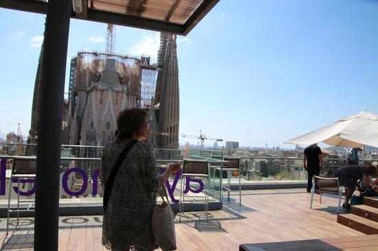 Ayre Hotel Rosellon: 屋上から見えるサグラダファミリア