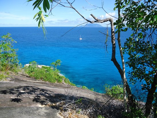 Anse Major: can see Silhouette Island